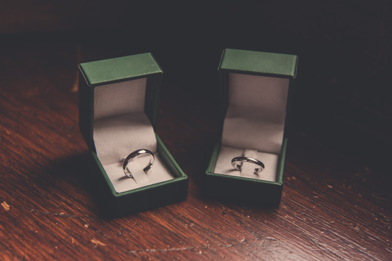 Wedding rings, cotswolds