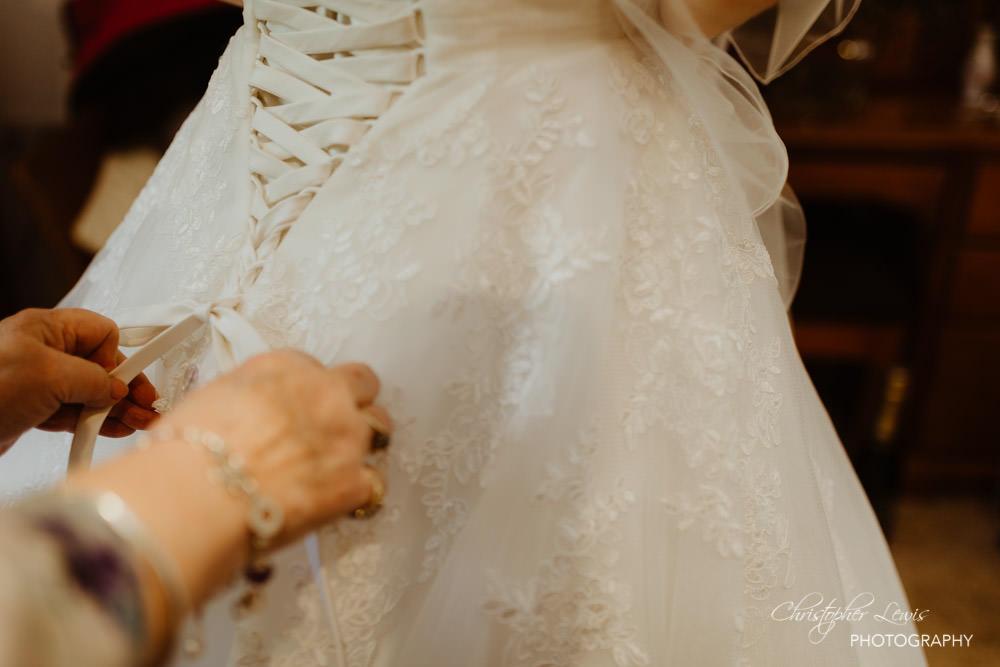 SANDHOLE-OAK-BARN-WEDDING-12