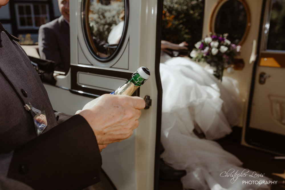 SANDHOLE-OAK-BARN-WEDDING-32
