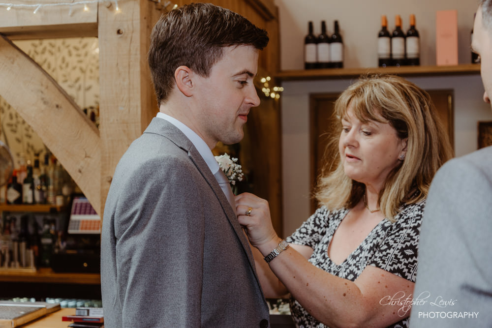 OAKTREE-OF-PEOVER-CHESHIRE-WEDDING-11