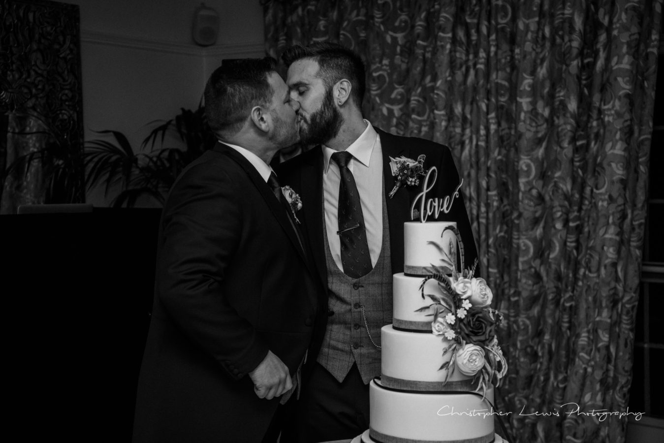 Eaves-Hall-Wedding-Same-Sex-113
