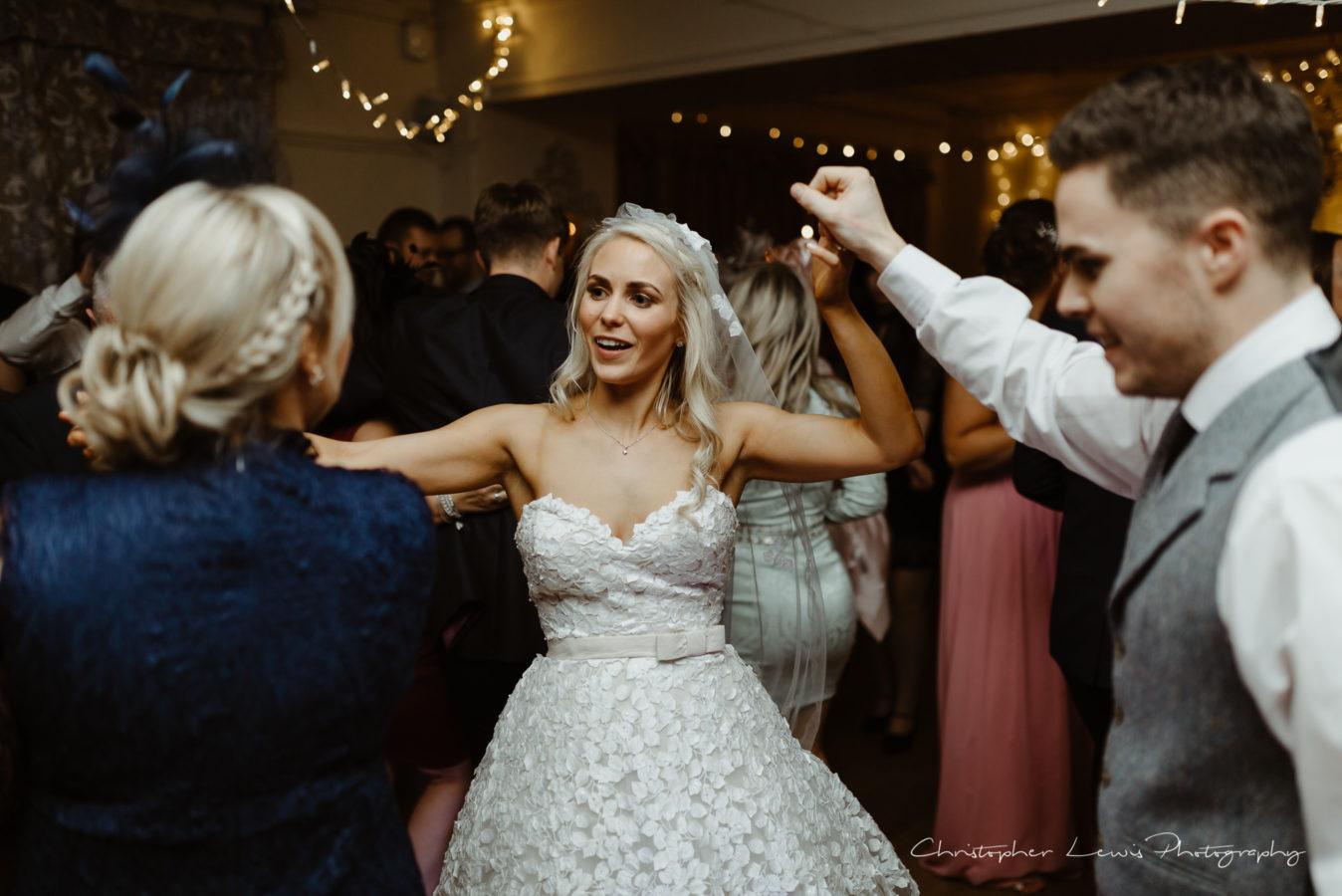 Eaves-Hall-Wedding- 79