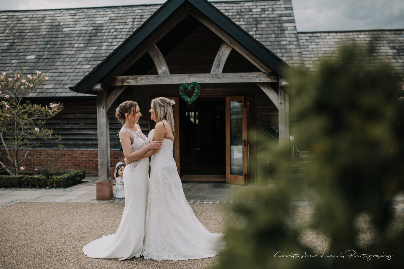 Sandhole-Oak-Barn-Wedding-Christopher-Lewis-Photography- 39