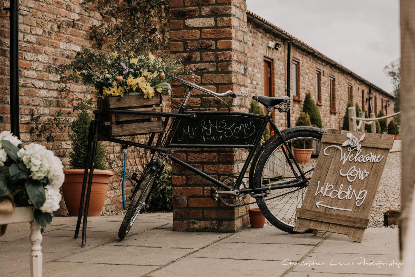 Thief-Hall-Wedding-Christopher-Lewis-Photography-1