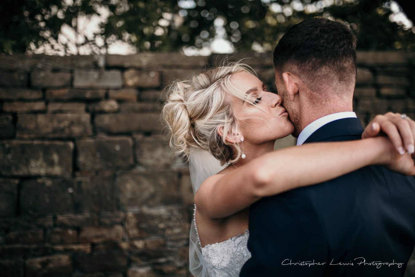 White-Hart-Lydgate-Wedding-Christopher-Lewis-Photography-152