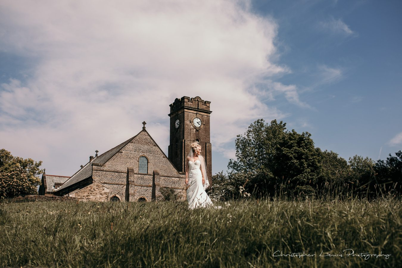 White-Hart-Lydgate-Wedding-Christopher-Lewis-Photography-159