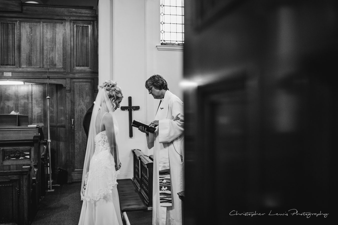 White-Hart-Lydgate-Wedding-Christopher-Lewis-Photography-99